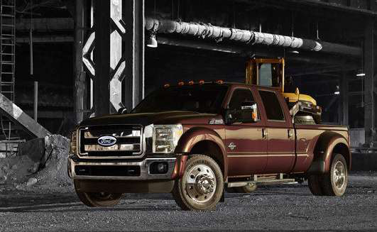 2015 f 350 gets more muscle f 450 claims best in class towing capacity medium duty work truck. Black Bedroom Furniture Sets. Home Design Ideas