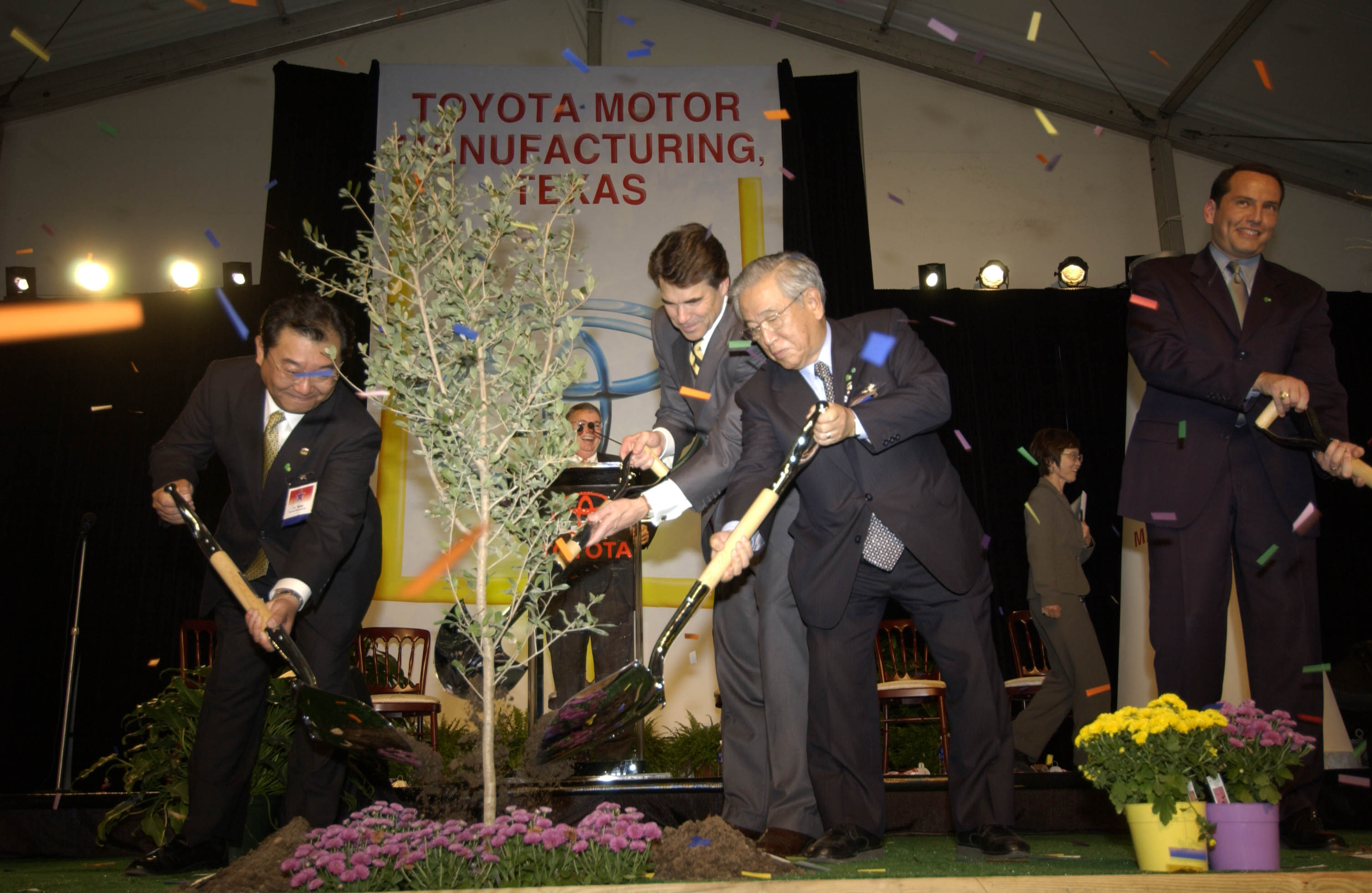 Toyota Moving North American Hq To Texas Medium Duty