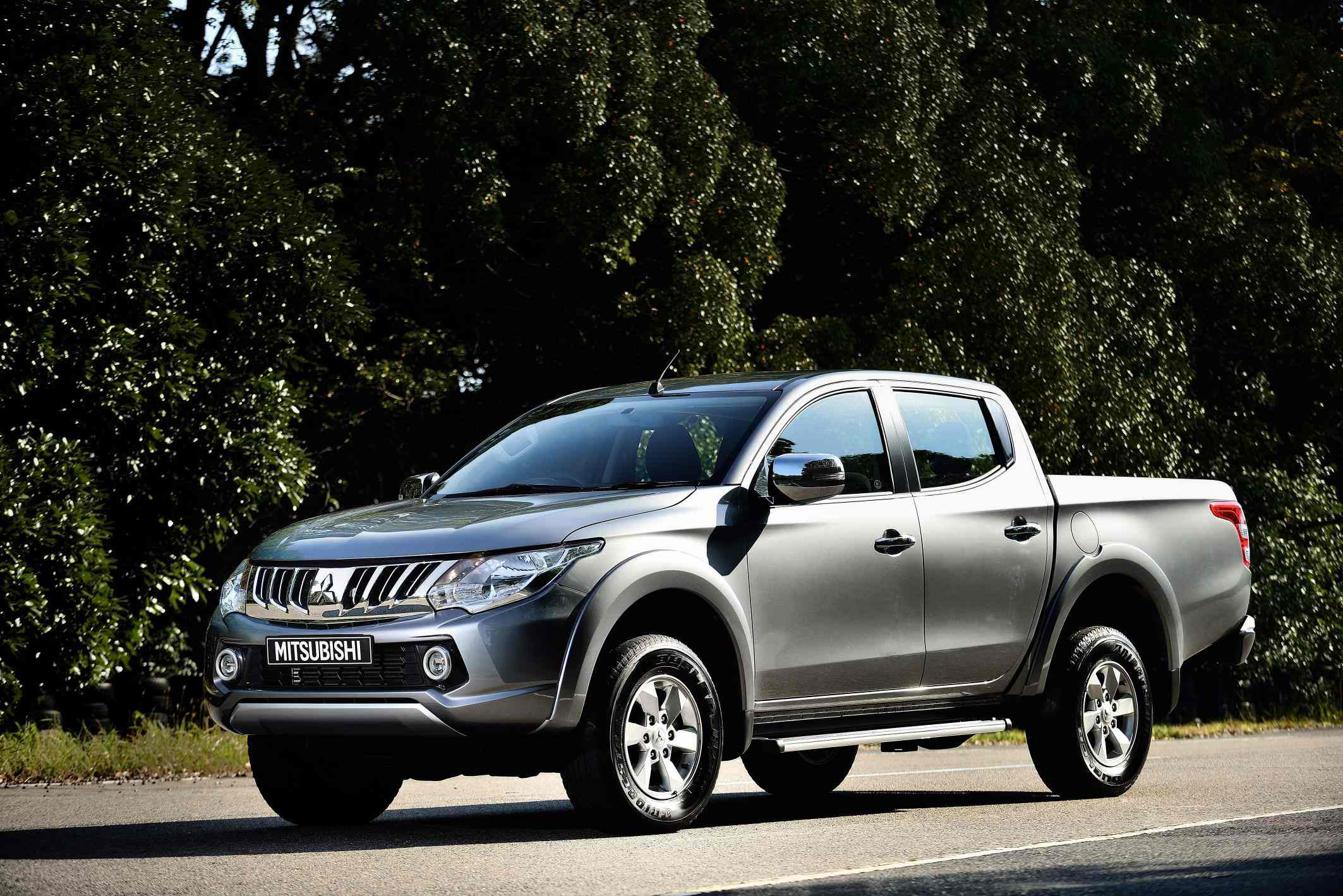 carscoops show trucks debuting the motor all pickup geneva mitsubishi triton at new