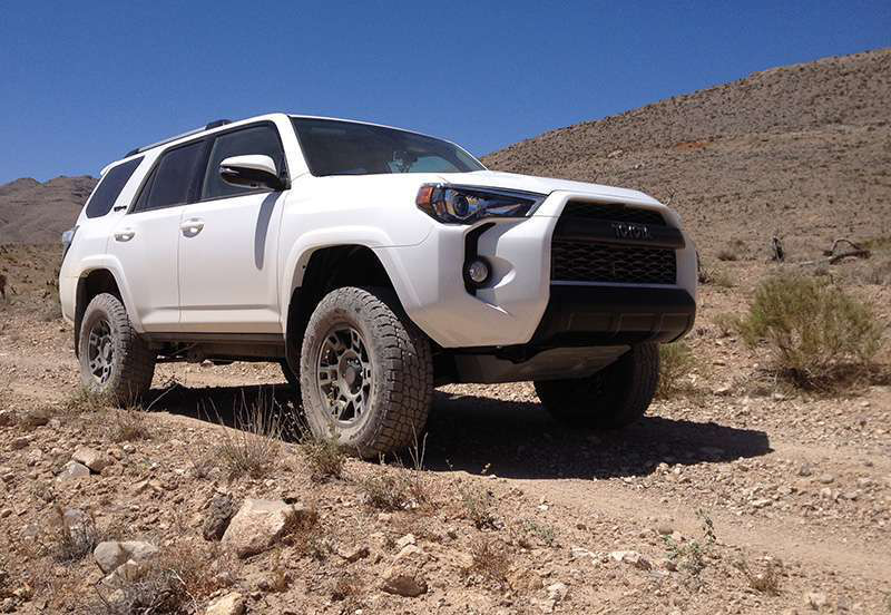 road test 2015 toyota 4runner trd pro medium duty work truck info. Black Bedroom Furniture Sets. Home Design Ideas