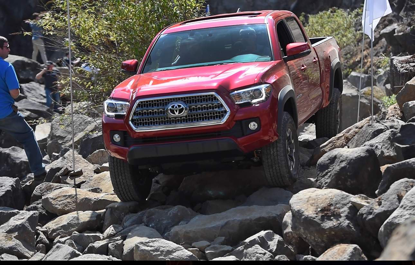 report toyota tacoma only truck to make list of 300k plus mile vehicles medium duty work. Black Bedroom Furniture Sets. Home Design Ideas