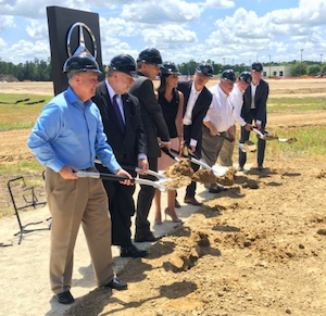 Mercedes benz vans breaks ground on u s sprinter plant for Mercedes benz manufacturing plant in usa