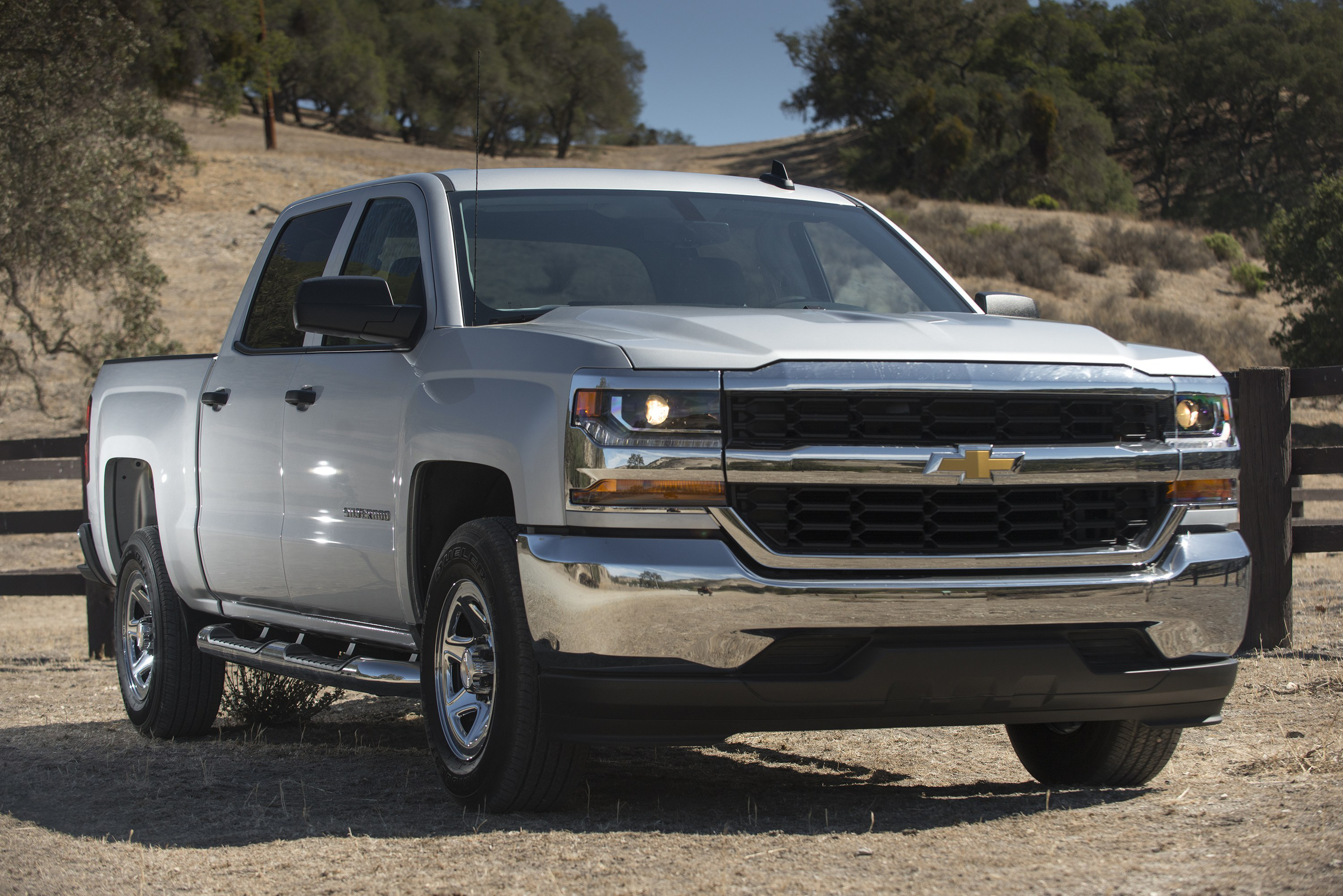 A Brake Pedal Defect Has Led Gm To Recall Certain 2017 2016 Chevrolet Silverado 2500 3500 1500 Crew Cab Special Service Tahoe Police Pursuit