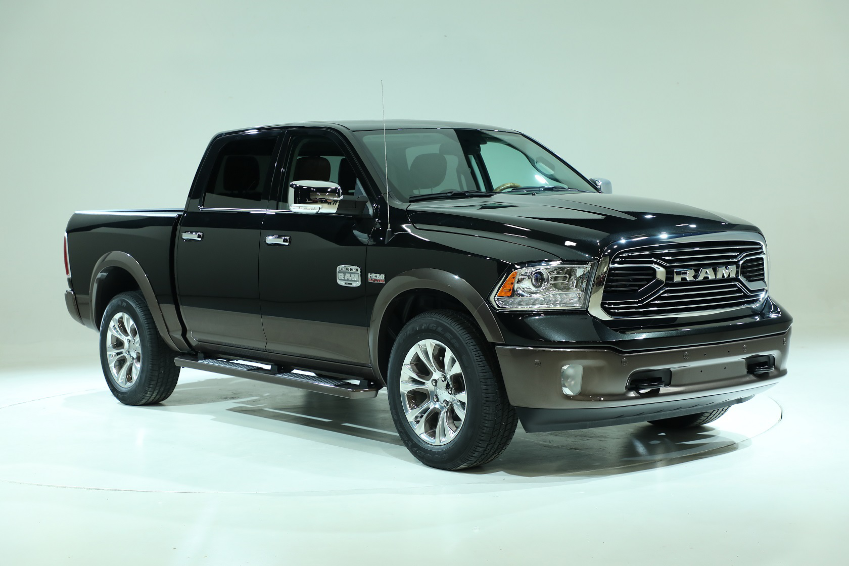 ram unveils new color for 2017 laramie longhorn medium duty work truck info. Black Bedroom Furniture Sets. Home Design Ideas