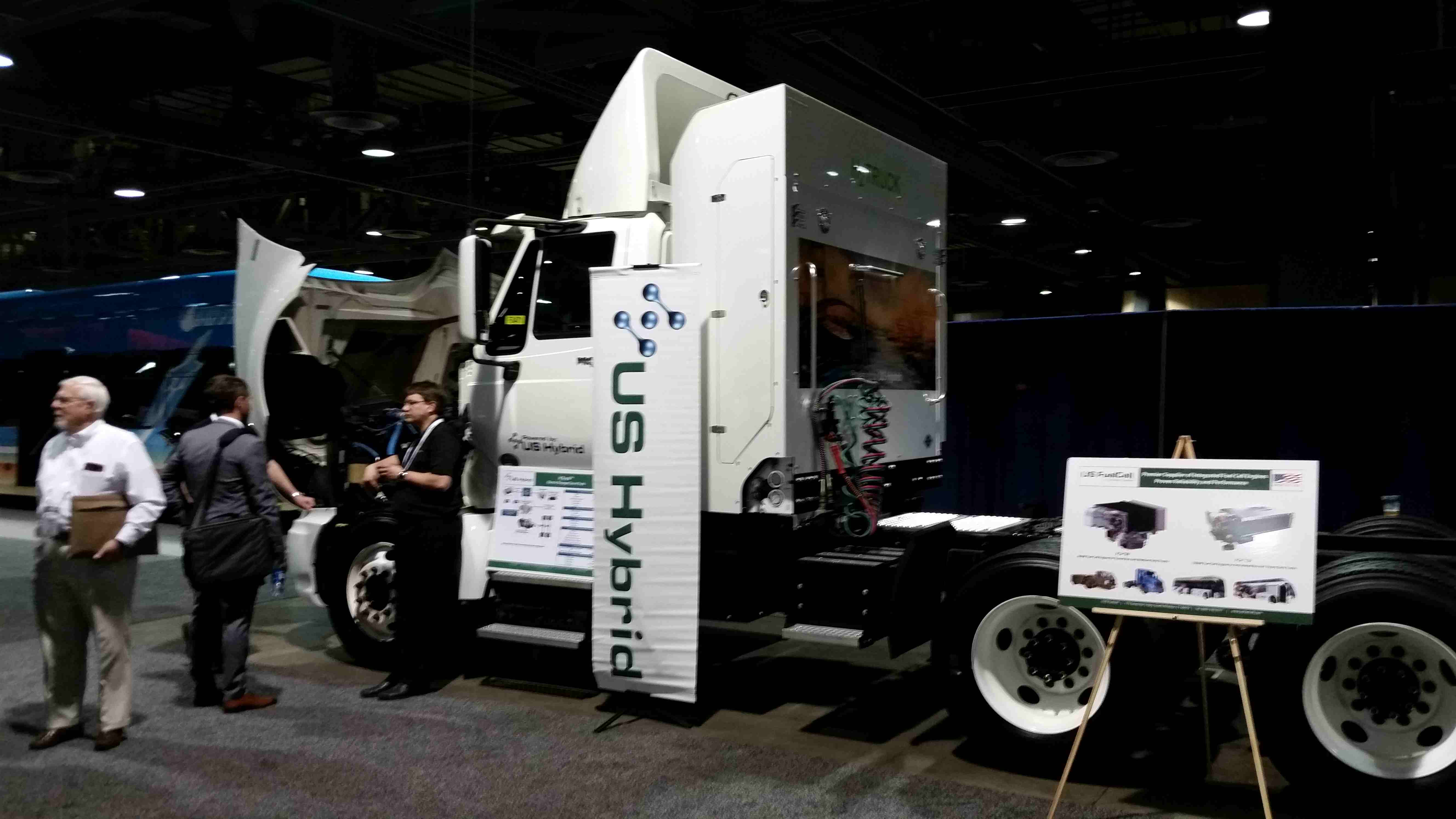 US Hybrid unveils fuel cell drayage truck, pairs up with