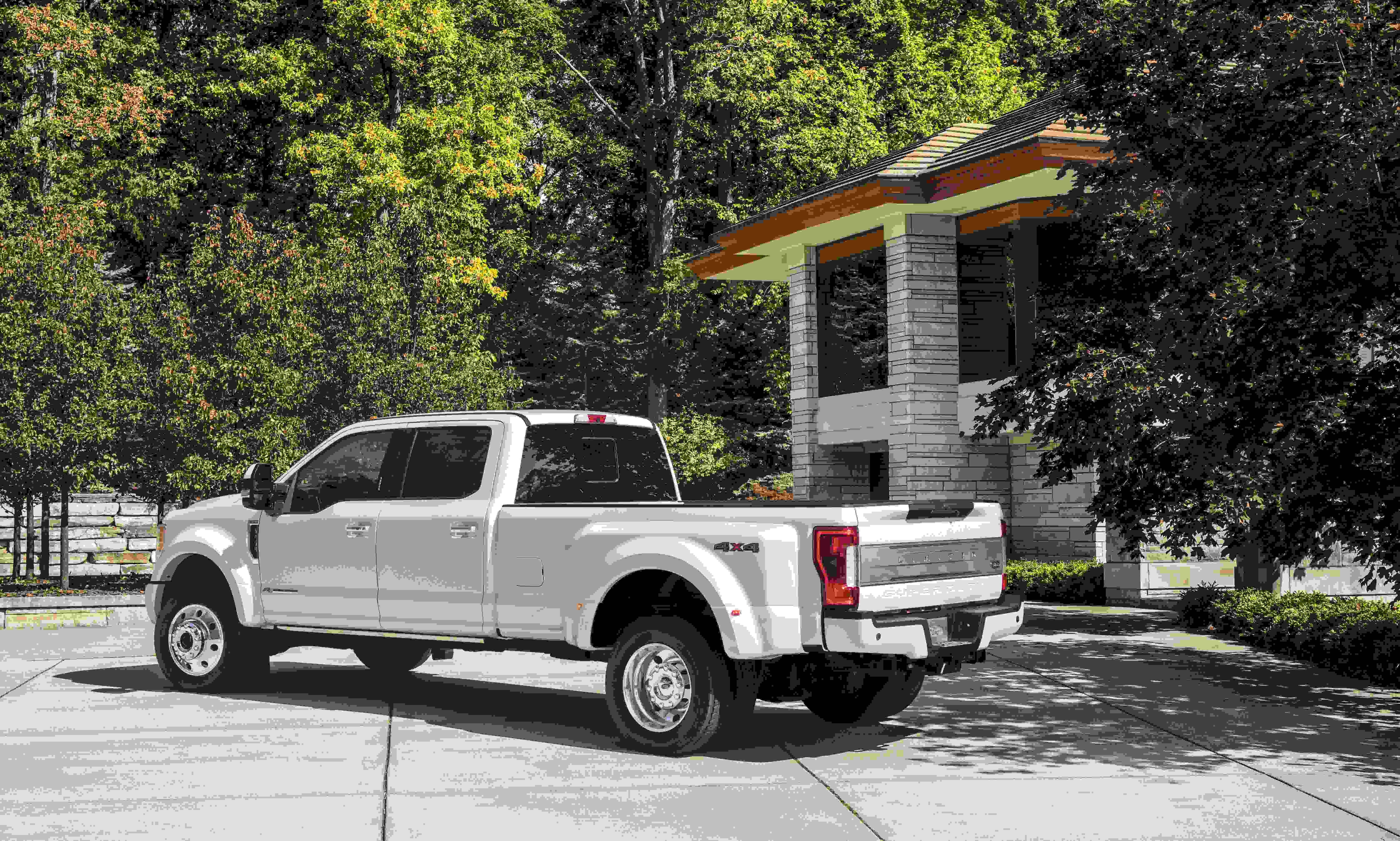 pickup seats is the instrument limited tone custom two panel wheel says along ranch and has camelback superduty armrests luxury king here super leather feature it redefined ford steering wrapped with trucks duty