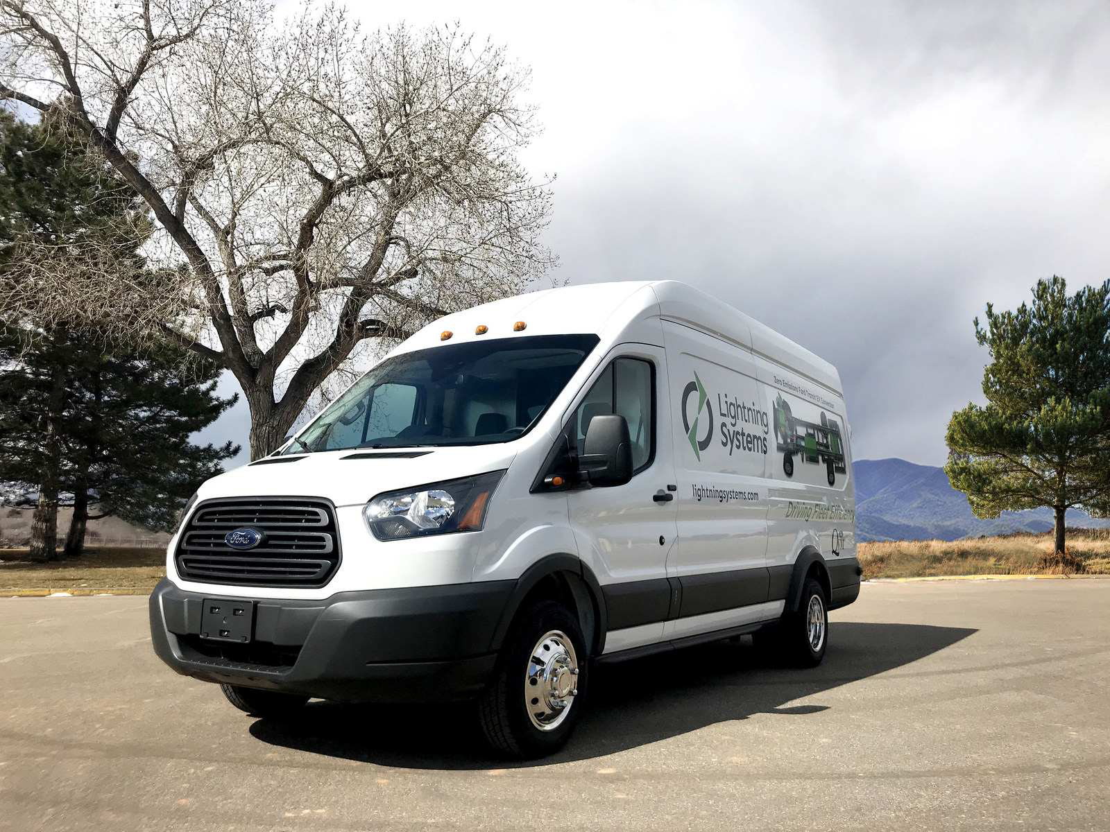 Lightning Systems announces fuel cell option for all-electric Ford ...