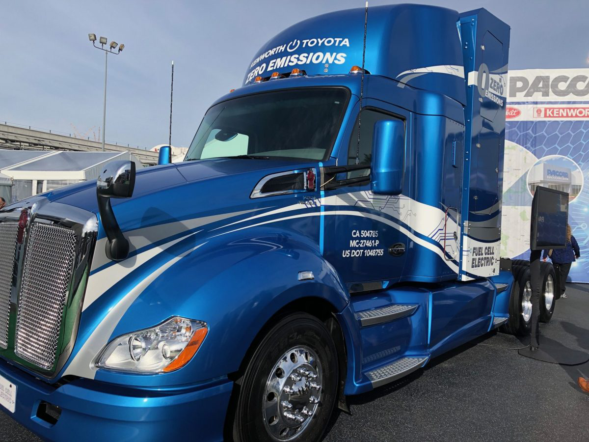 Kenworth, Toyota fuel cell truck at CES, more rolling out in