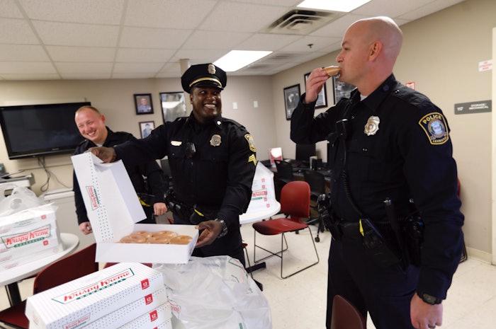 Krispy-Kreme-cops-donut-truck