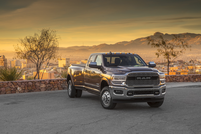Ram Reveals 2019 Heavy Duty Pickup With 1 000 Lb Ft Of