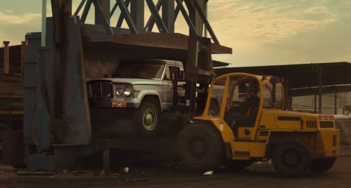 Jeep-Gladiator-crushed
