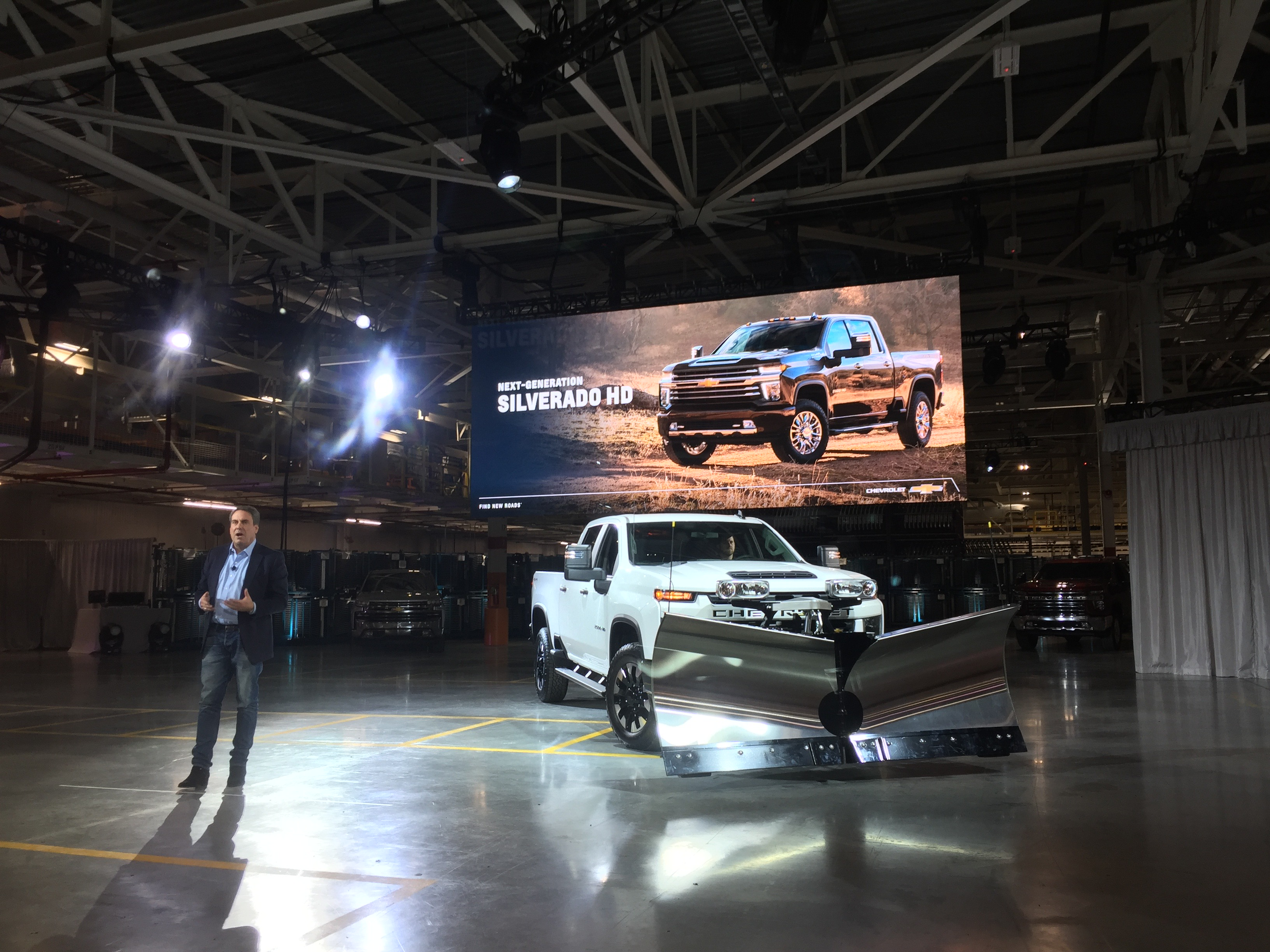 Best Arena Class 2020 2020 Silverado HD revealed with best in class towing, new gas V8
