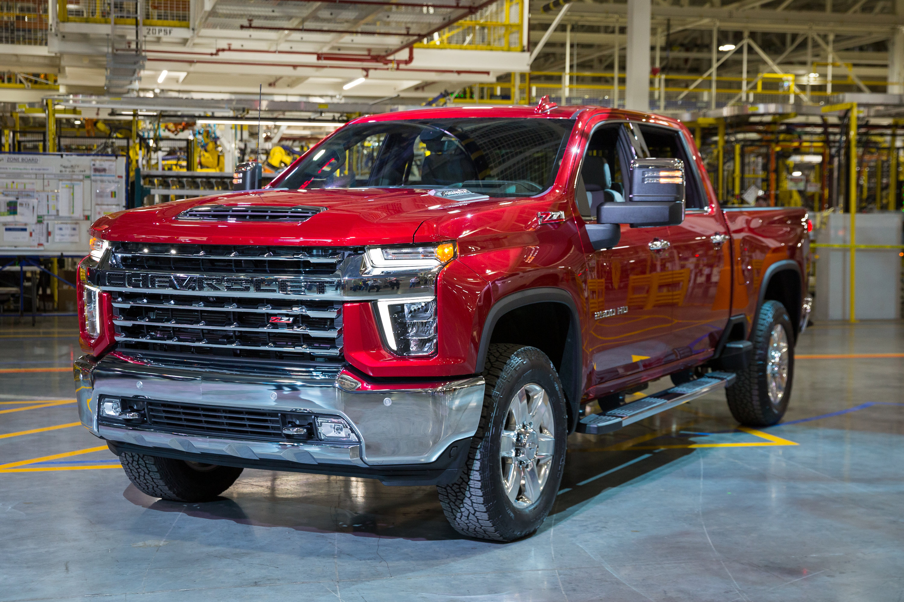 gm execs give video    silverado hd medium duty work truck info