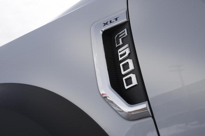 F600_badge
