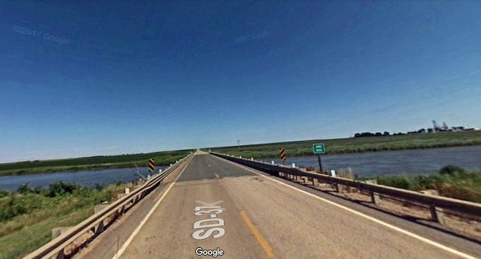 James-River-South-Dakota-refuse-truck