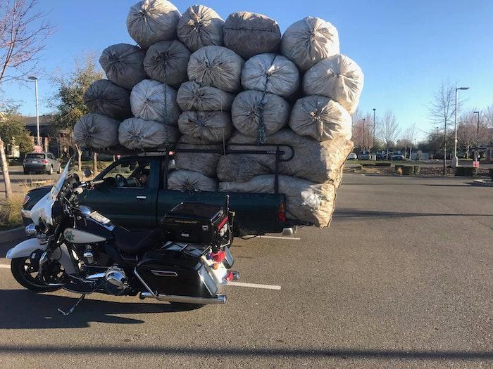 overloaded-pickup