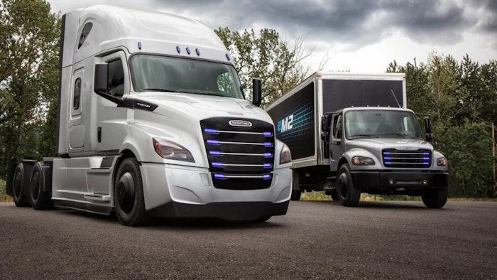 Freightliner-electric-trucks-ecascadia-Penske