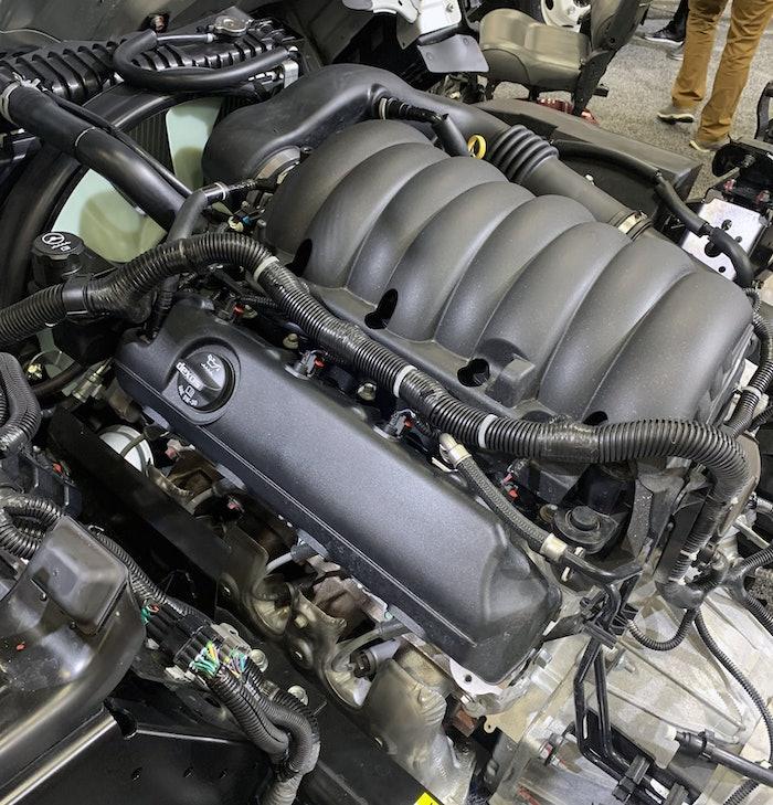isuzu-gasoline-engine