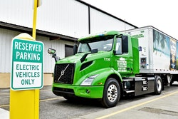More electric truck history continues to unfold as Manhattan Beer Distributors becomes the first fleet on the East Coast to take delivery of a Volvo VNR Electric.